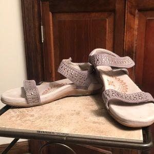 aetrex sandals. Maria Studded Quarter Strap - Grey